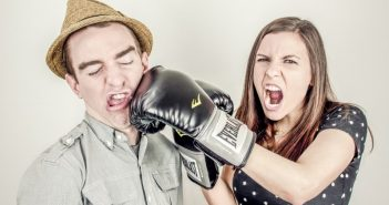 angry-woman-boxing-his-boyfriend